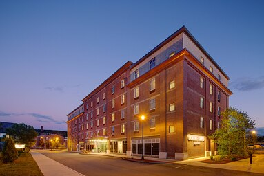 Large brick building - Courtyard Marriott Downtown Keene